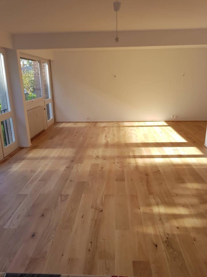 r novation d appartement d molition de cloison parquet massif ch ne clair peintures. Black Bedroom Furniture Sets. Home Design Ideas