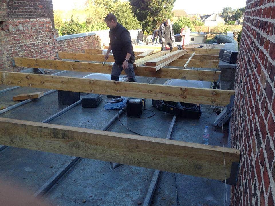 toiture en zinc transform e en toiture bacacier isol. Black Bedroom Furniture Sets. Home Design Ideas