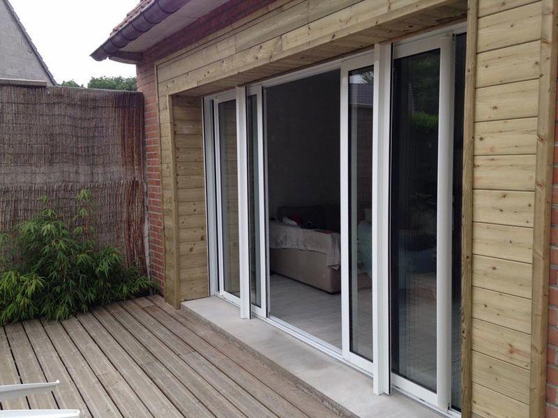 baie vitr e aluminium 4 vantaux bardage bois 3 volets. Black Bedroom Furniture Sets. Home Design Ideas