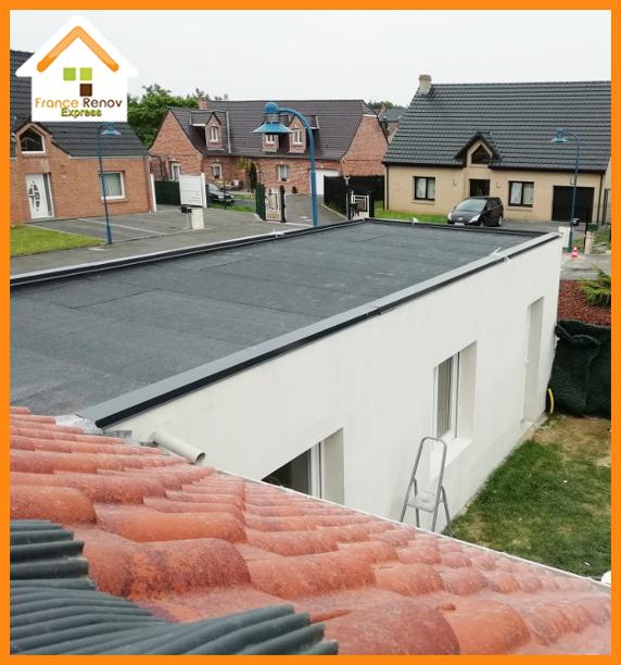 Toiture terrasse multicouches avec étanchéité de type Derbigum pour une extension de maison